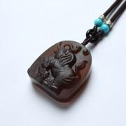 棕红缅甸琥珀大象吊坠-22KQ07